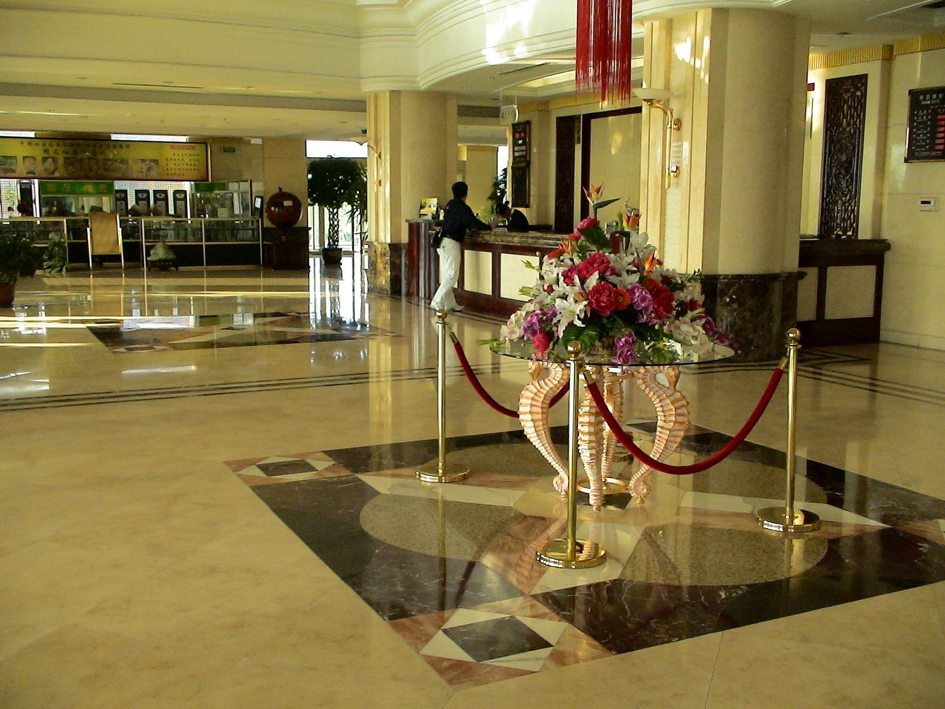 CURSO DE DIRECCIÓN Y PROTOCOLO DE HOTELES